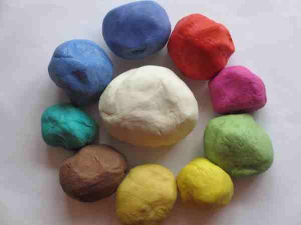 Как сделать цветным соленое тесто для лепки